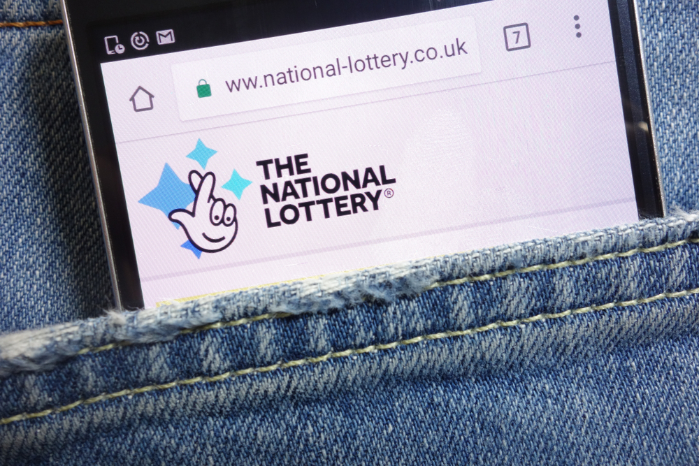 uk national lottery on smartphone