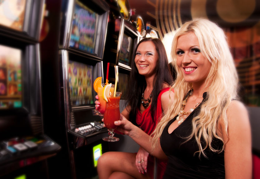 Friends in Casino on a slot machine
